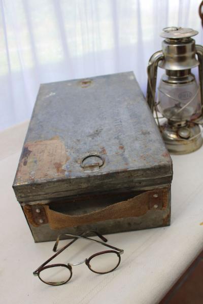 Ancienne boîte militaire