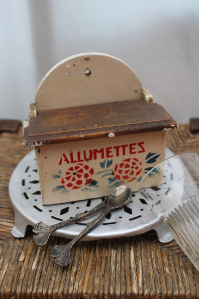 Ancienne boîte à allumettes