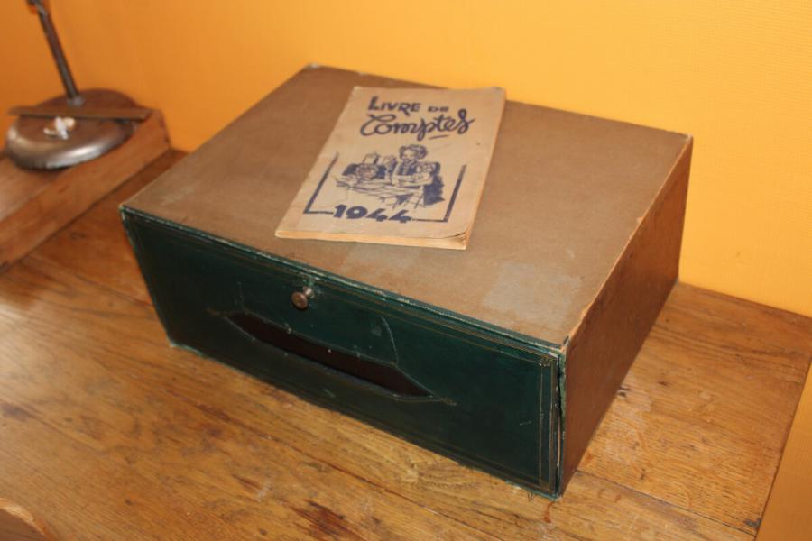 Ancien cartonnier de notaire