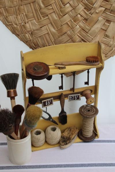 Ancien présentoir en bois
