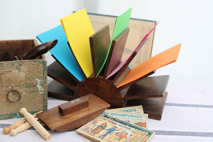 Range-courrier en bois
