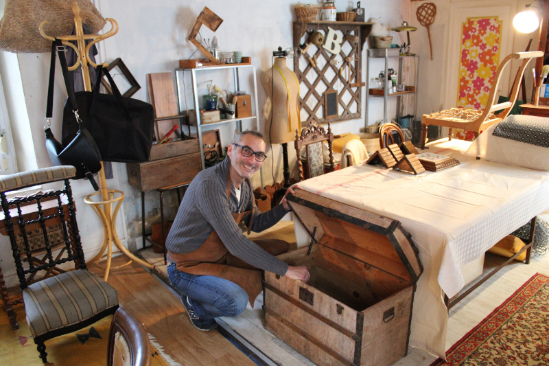 Photo de Benoit Vallin dans son atelier